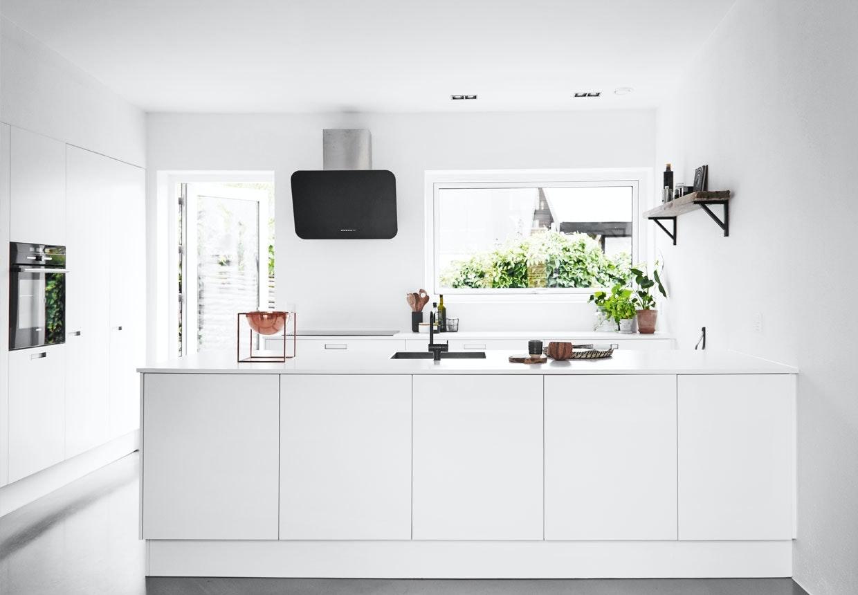 Lyst og enkelt Svane-køkken