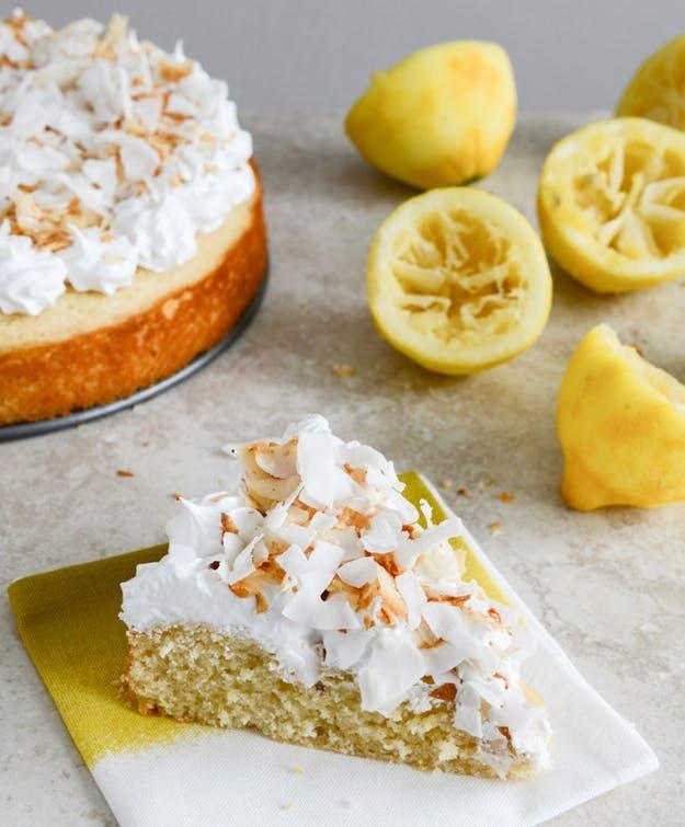 Nem citronkage med marshmallow- og kokos-frosting