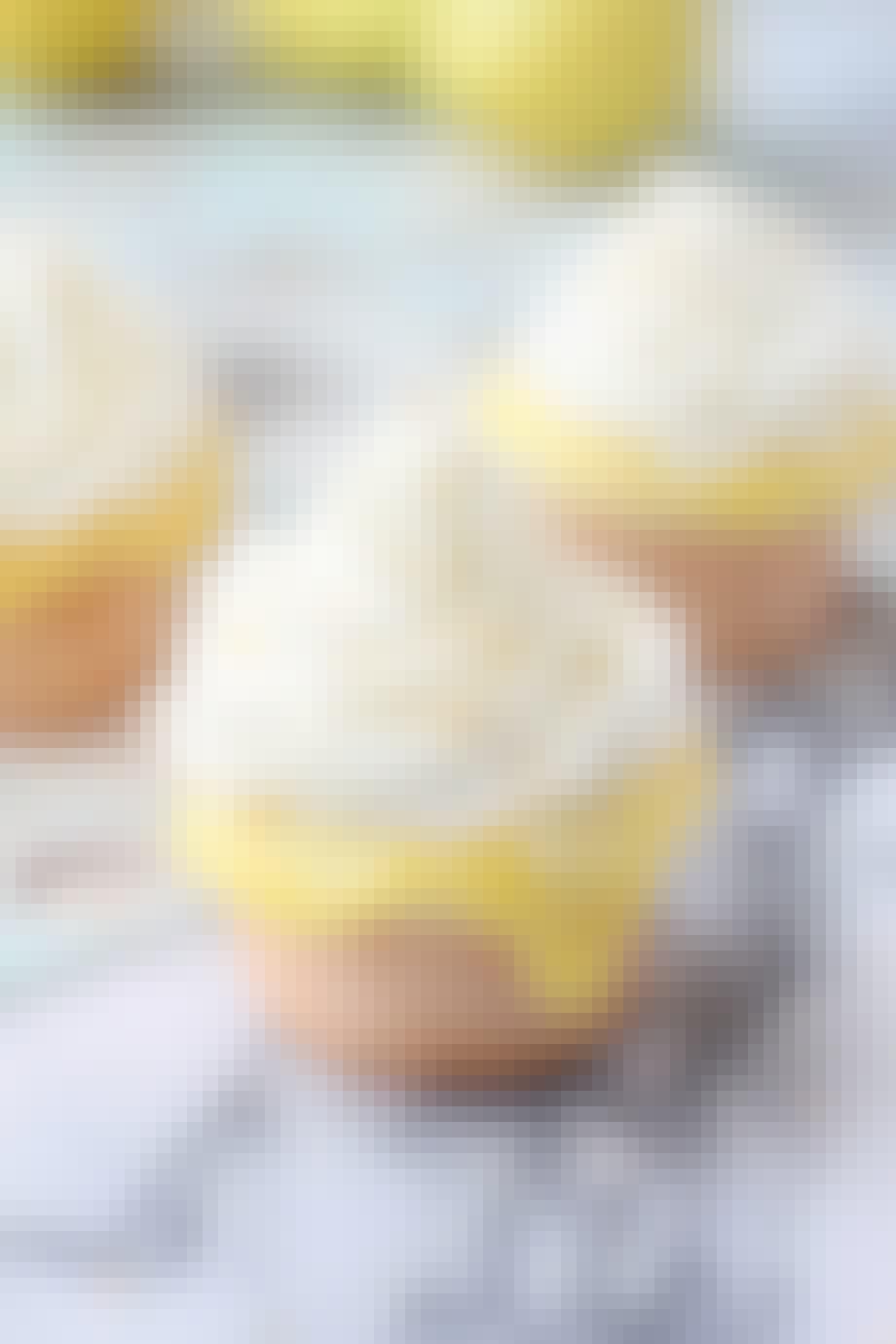 Kokos-cupcakes med citronskum
