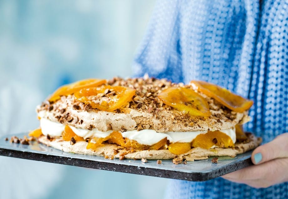 Marengslagkage med appelsin og flødeskum