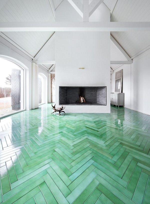 Højblankt grønt gulv