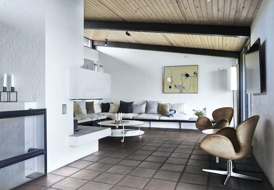 Svane-stole af Arne Jacobsen i kernelæder