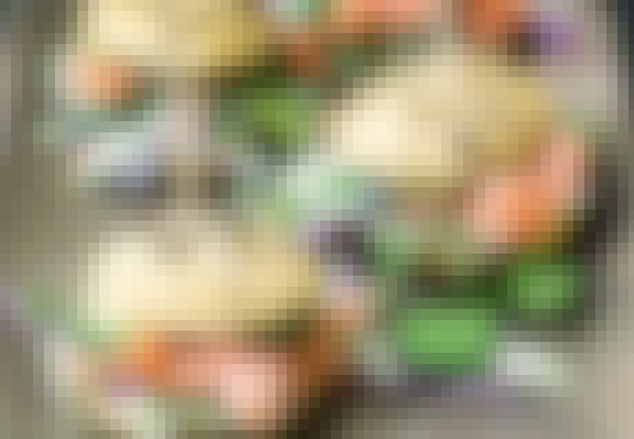 Laksesliders med asiatisk kålsalat