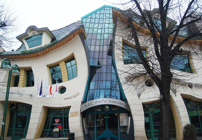 Det skæve hus i Zopot inspireret af den svenske billedkunstner Per Oscar Gustav Dahlberg's værker