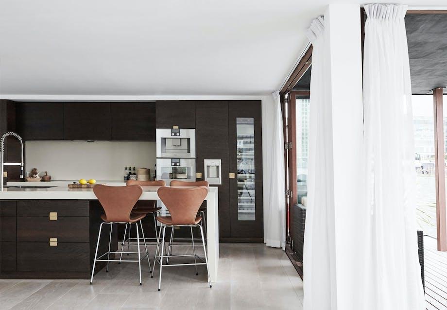 Arne Jacobsens Syver i barstol-udgave