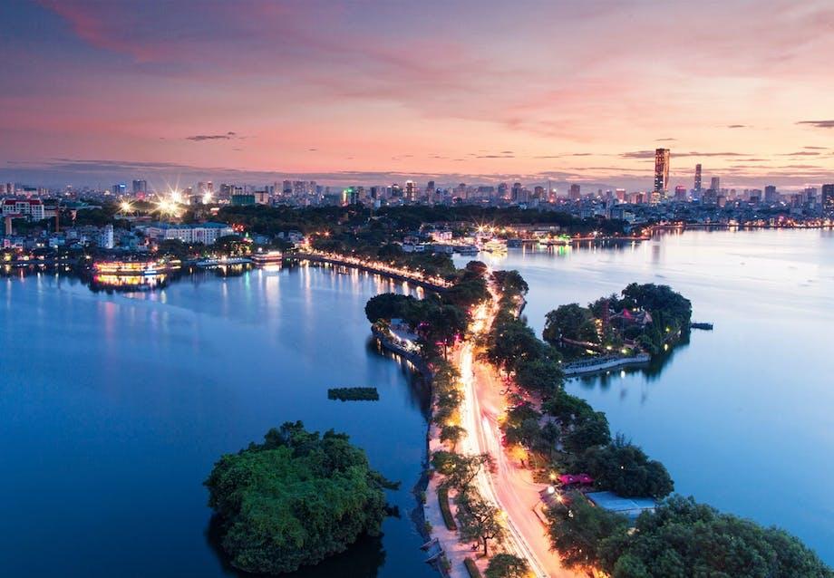 2. Ho Chi Minh City og Hanoi, Vietnam