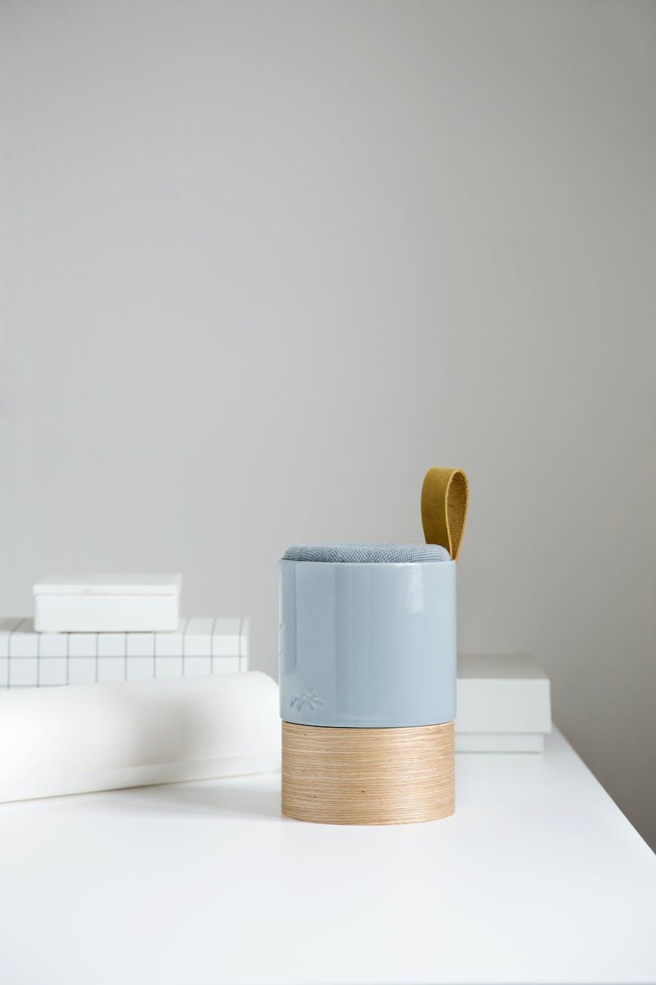 Højttaler med keramikoverflade