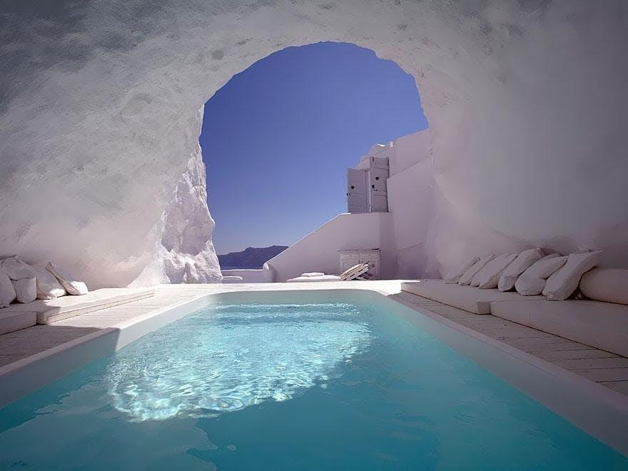 Lysende hvidt og blåt på Santorini