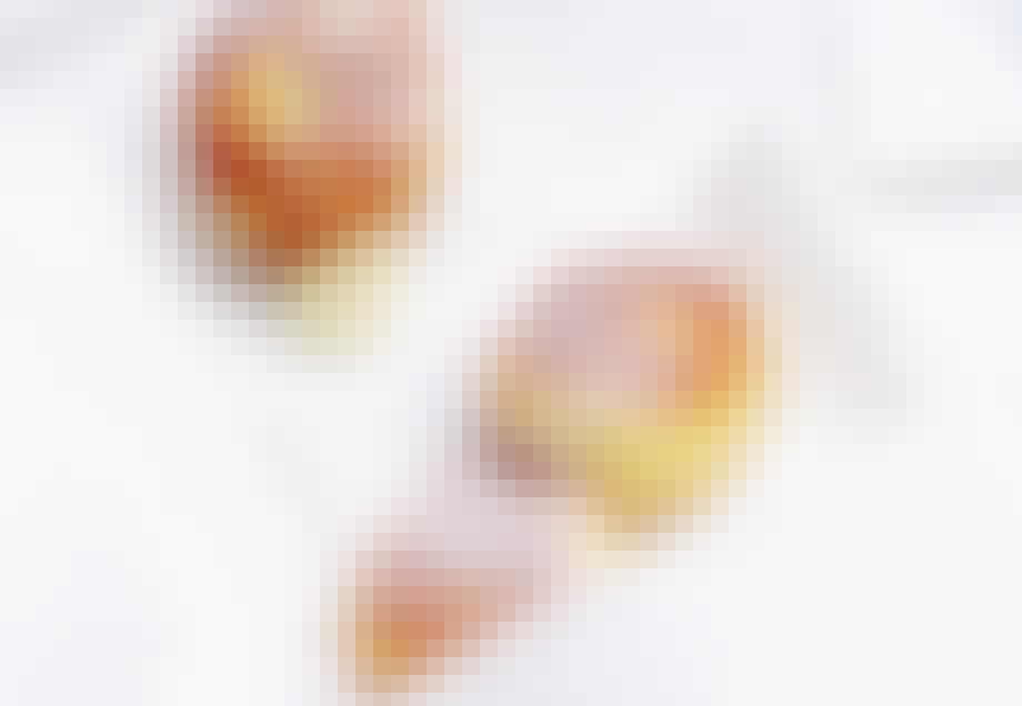 ÆBLESKIVER MED HVID CHOKOLADE