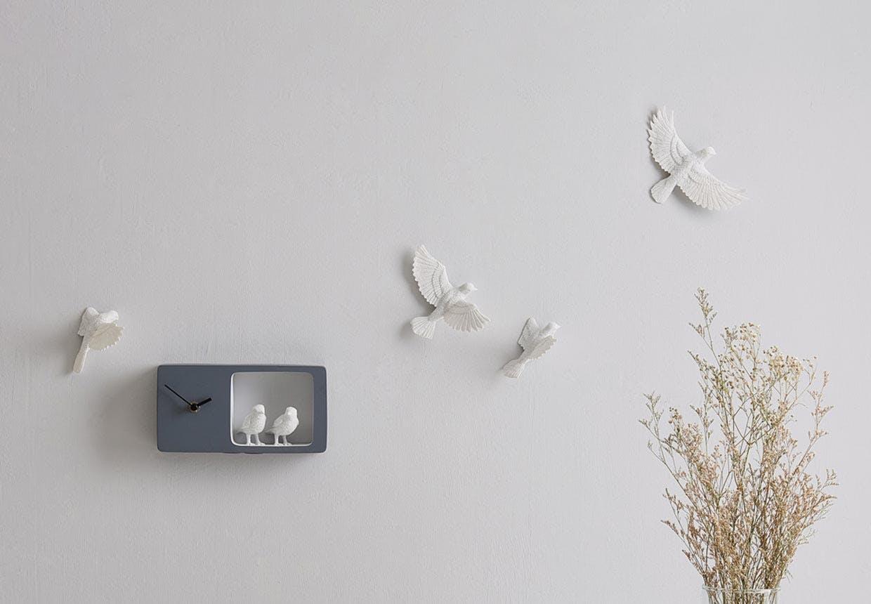 Vægure og væghængte ure - nyt og klassisk design