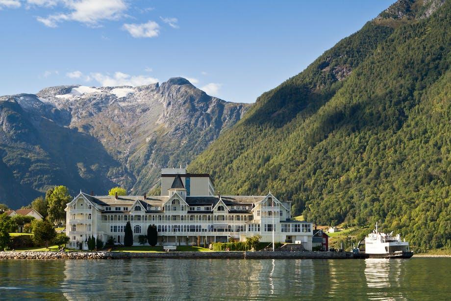 100 års stemning inspireret af Alperne