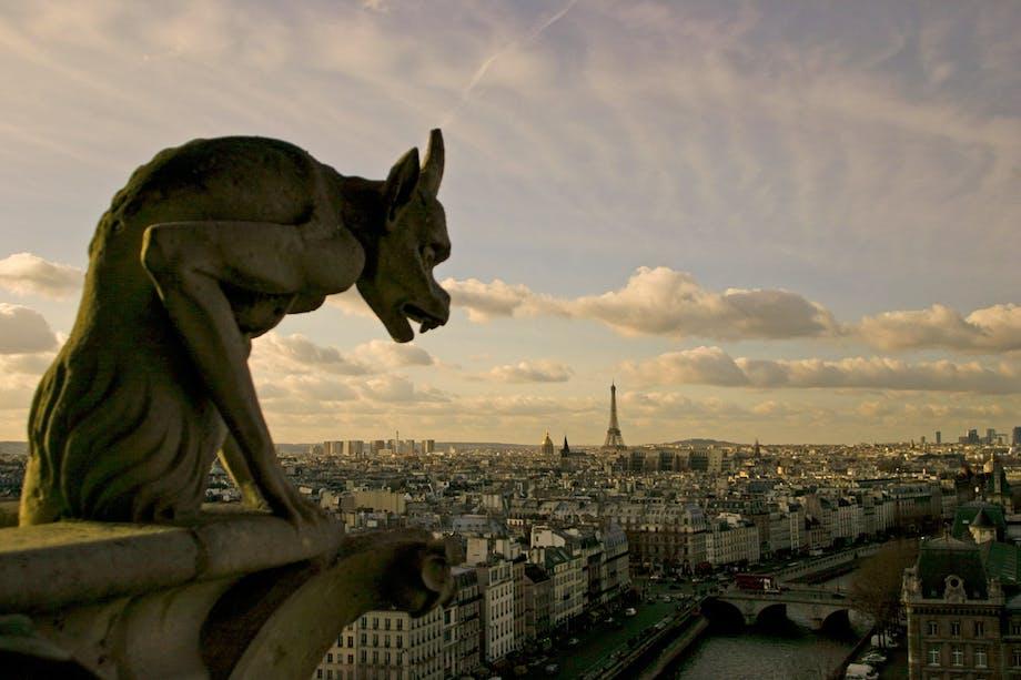 Notre Dame skræmmer alle