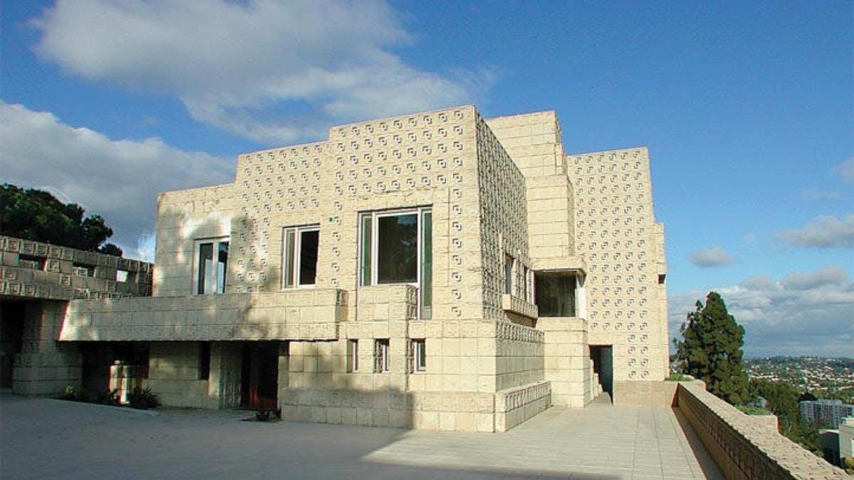 Lloyd Wrights hjemsøgte betonhelvede