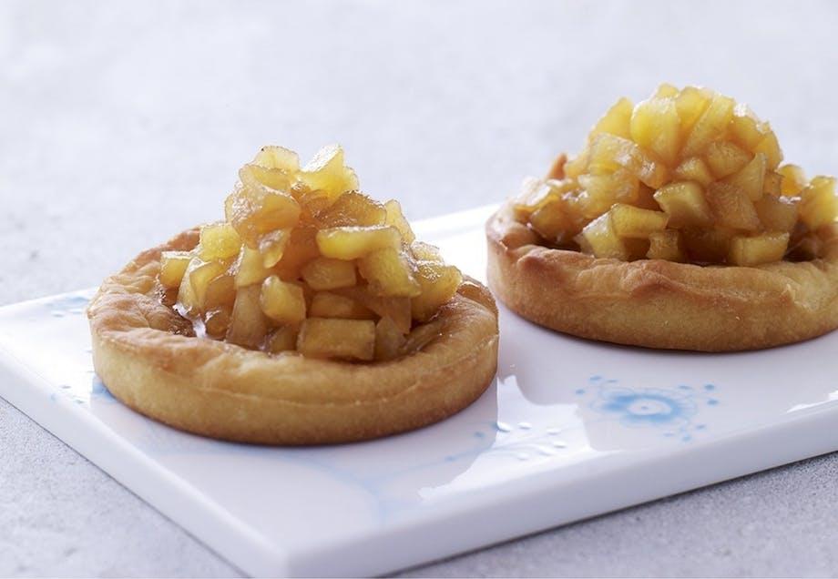 Små tærter med karamelliserede æbler