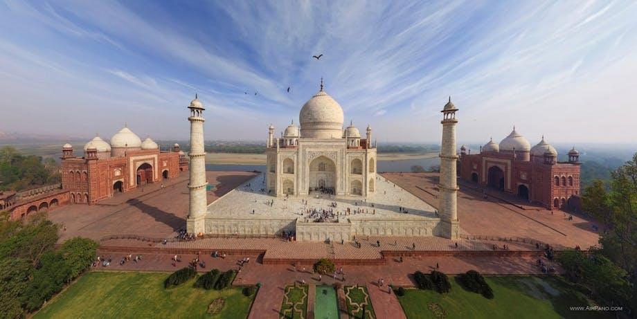 Mausoleum bygget til smuk kvinde