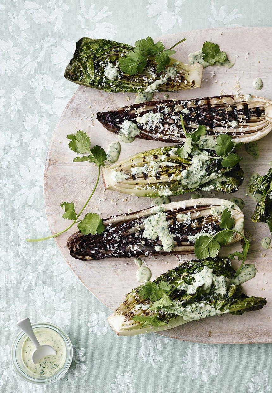 Grillede salater med parmesan og koriandercreme
