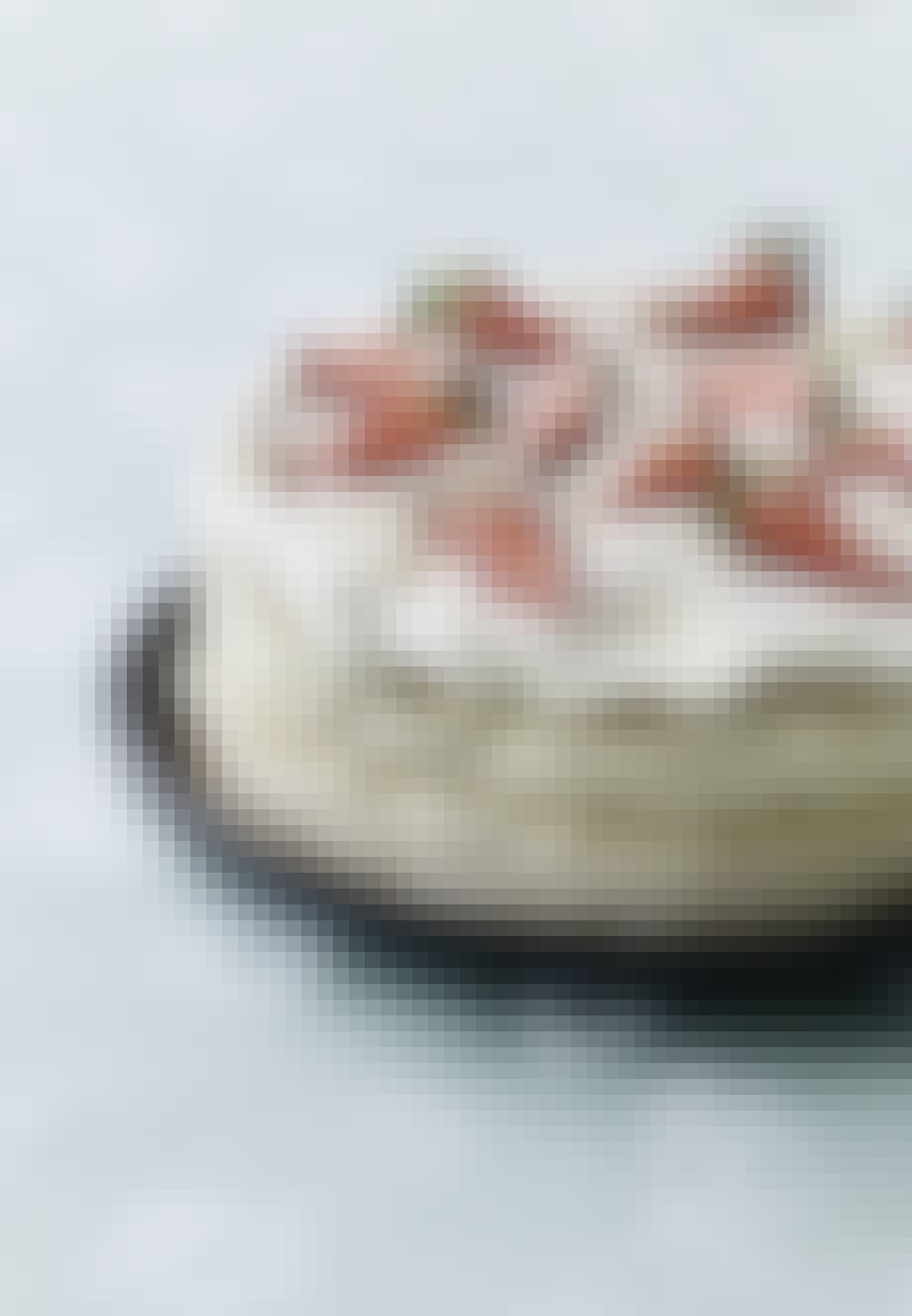Islagkage med kokos og jordbær