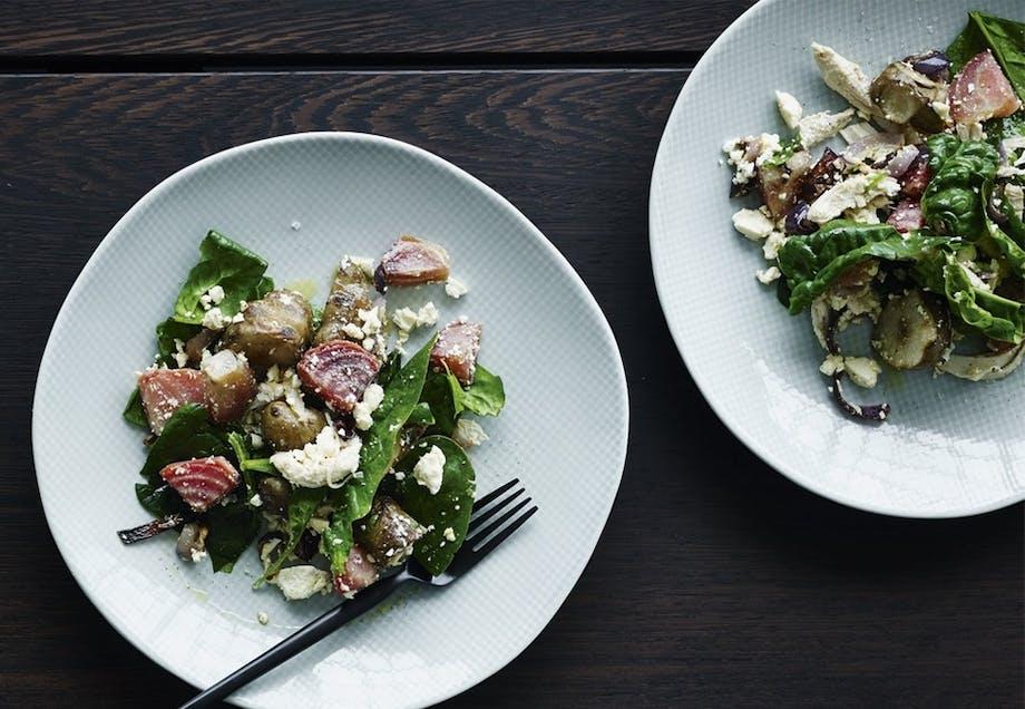 Kyllingsalat med spinat og bagte rodfrugter