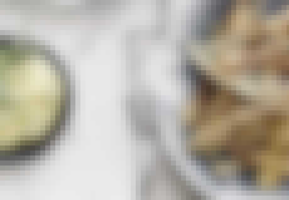 ZUCCHINIFRITTER MED ESTRAGON-MAYONNAISE