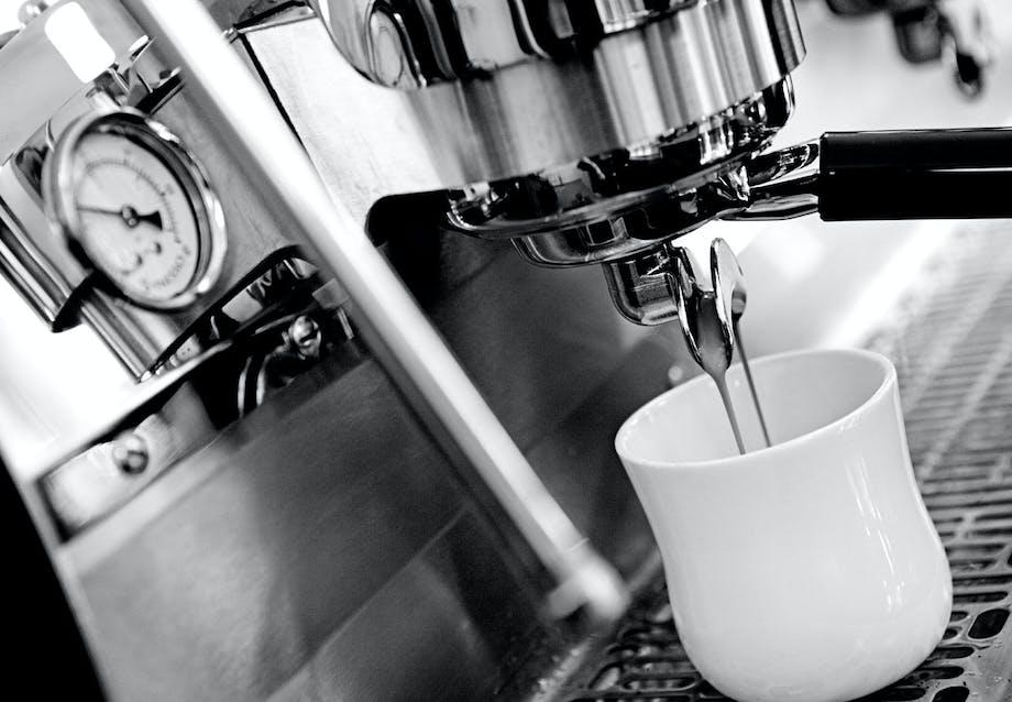 HVOR MEGET KAFFE?