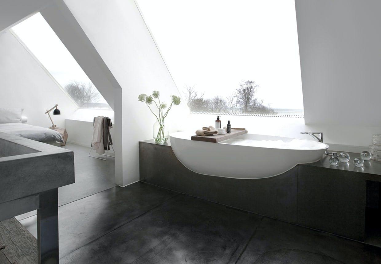 En badeoase med skøn udsigt.