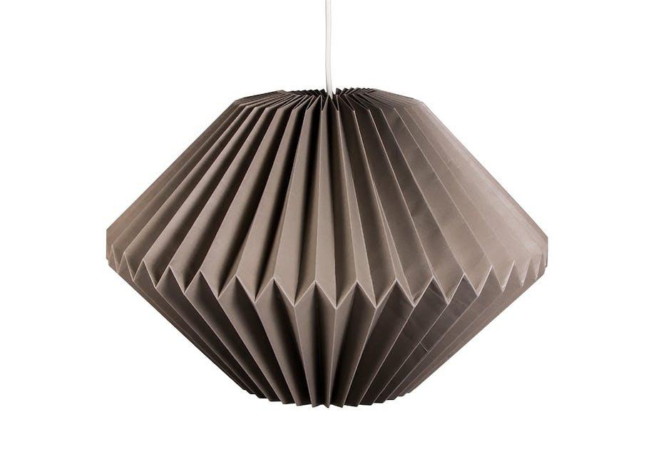 Lampe i foldet papir