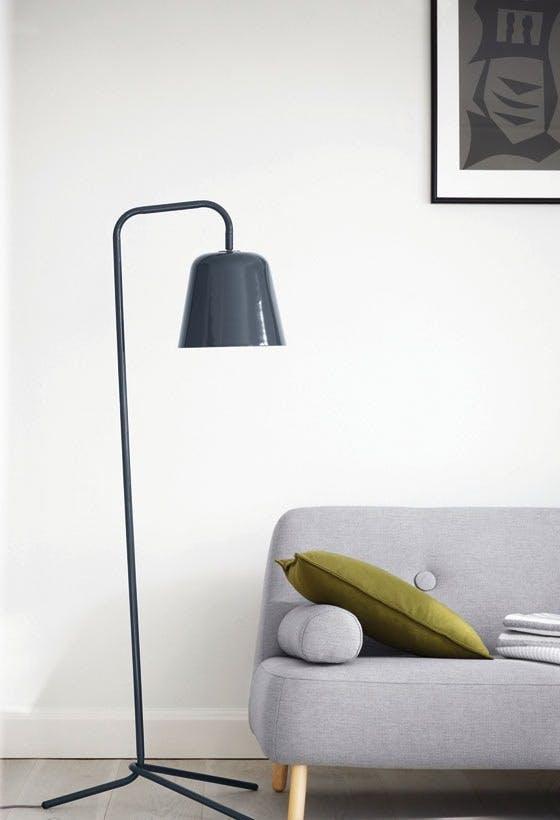 Pied-gulv-lampe