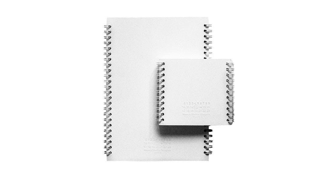 Hvide notesbøger