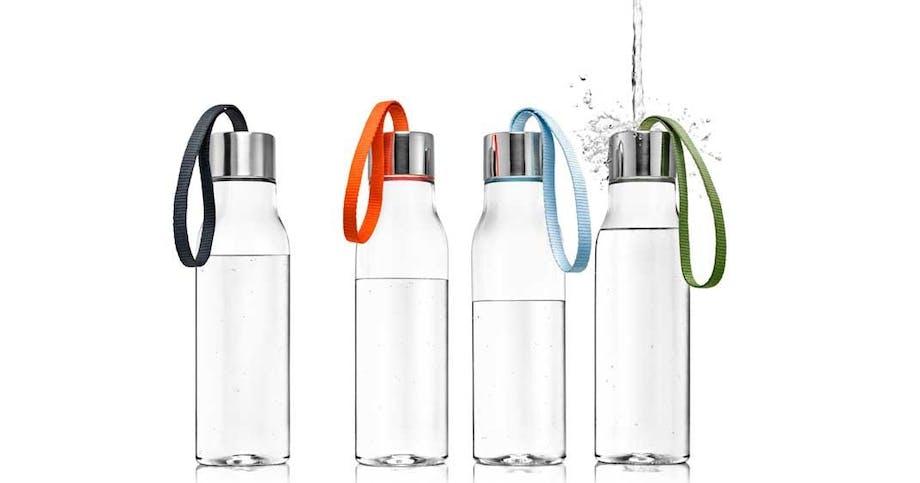 Frisk vand på nye flasker