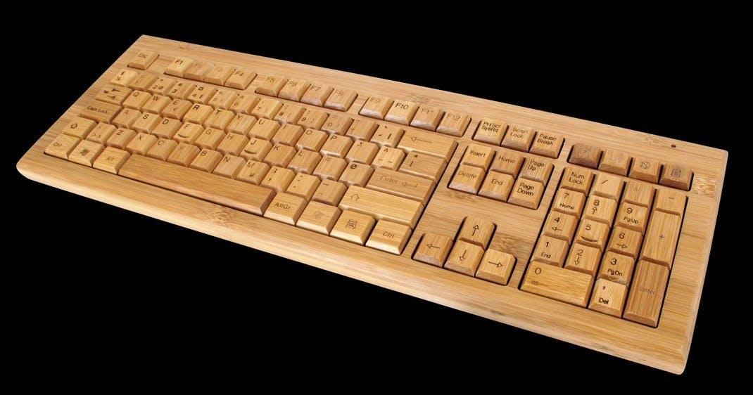 Trådløst computertastatur i bambus
