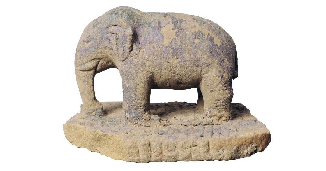 Elefant i sandsten