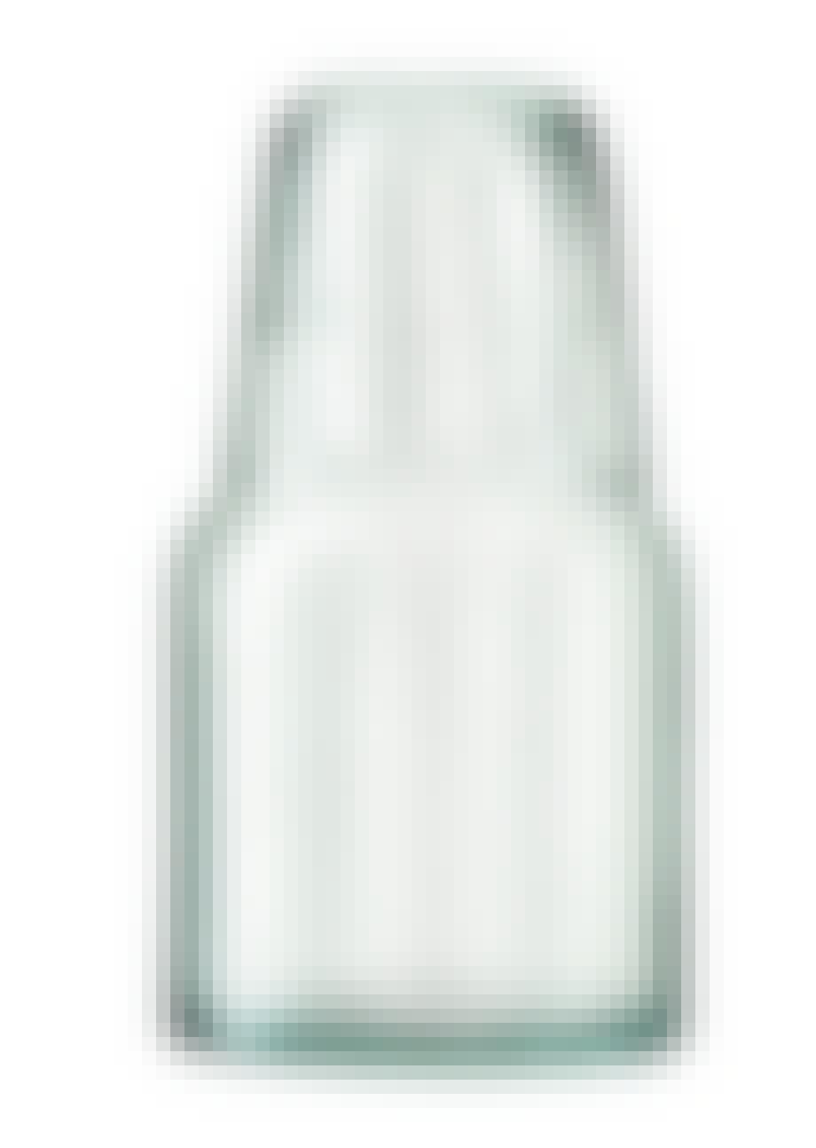 Lille karaffel med vandglas