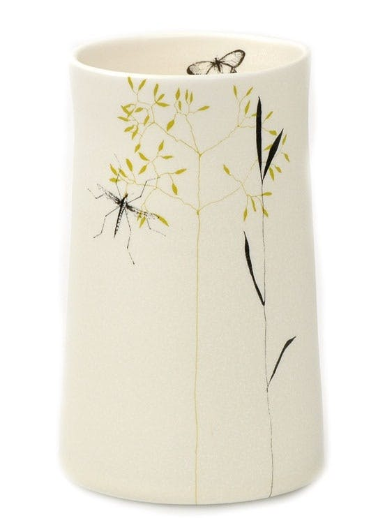 Vase i hånddrejet lertøj