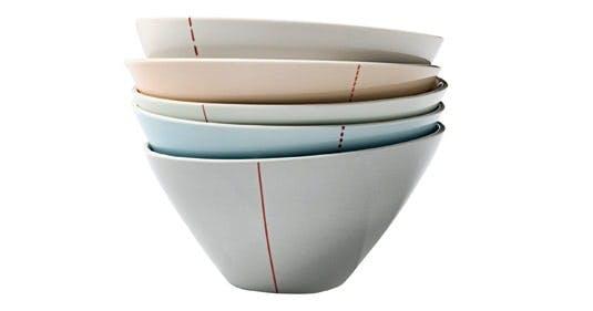 Keramikskåle med rød detalje