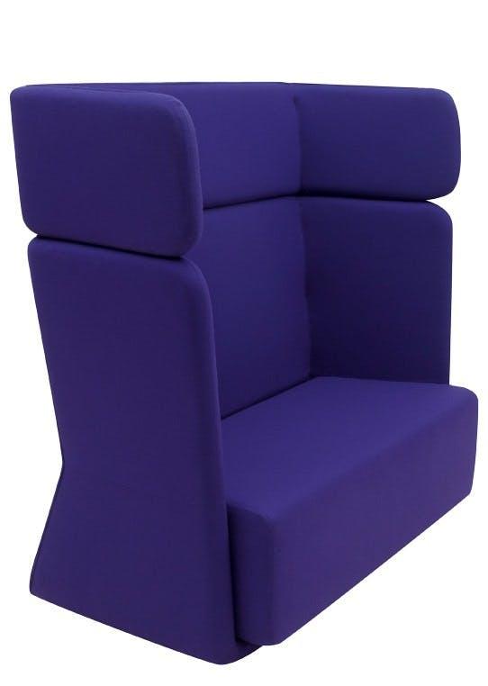 Ny sofa med høj ryg