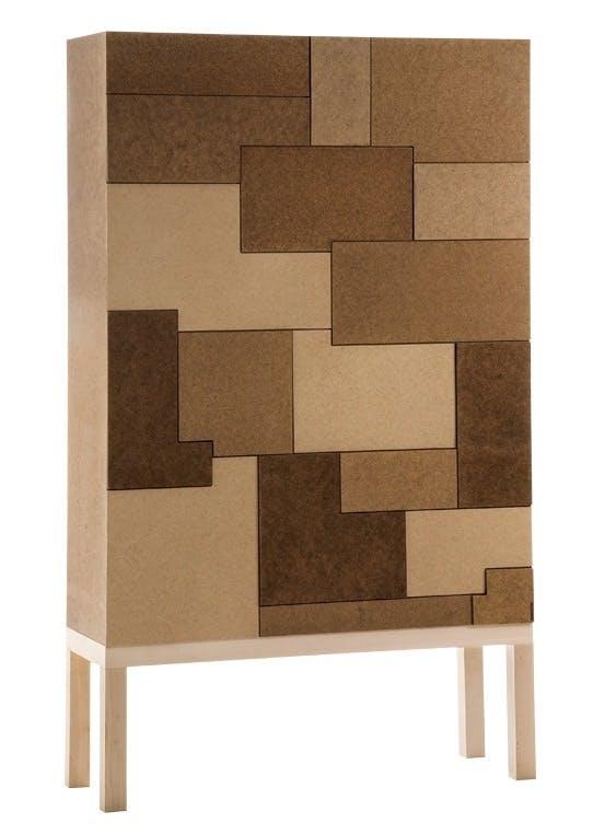 Møbler: Kommode i masonit