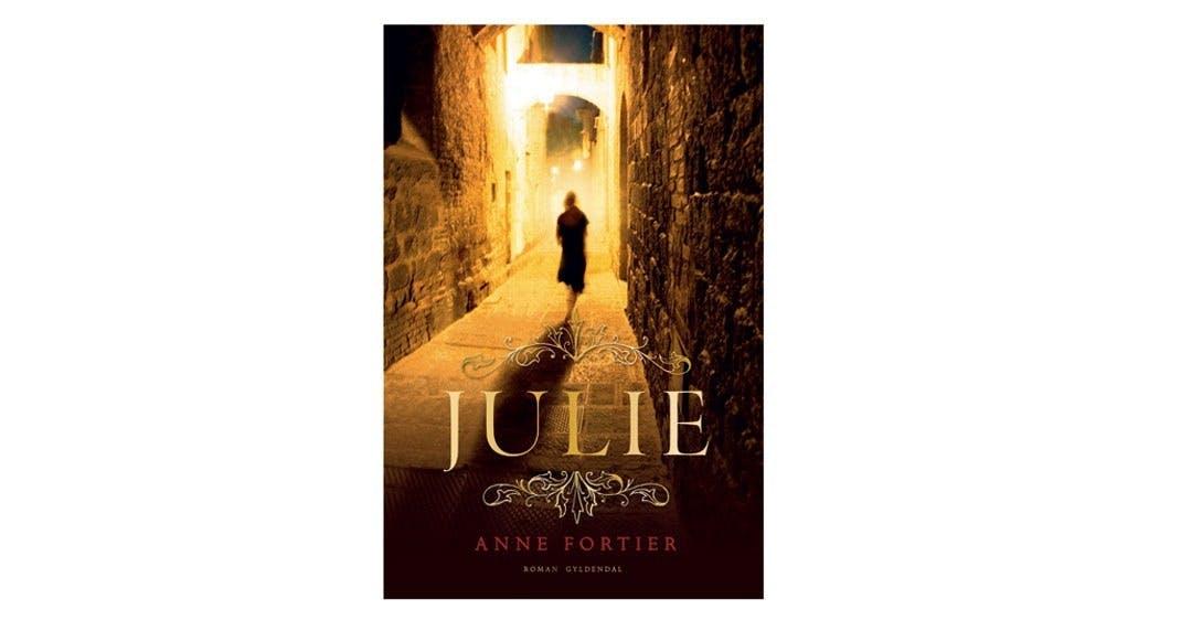 Bog, Julie