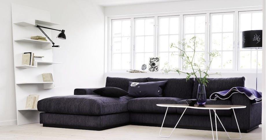 Tilbagelænet loungestil