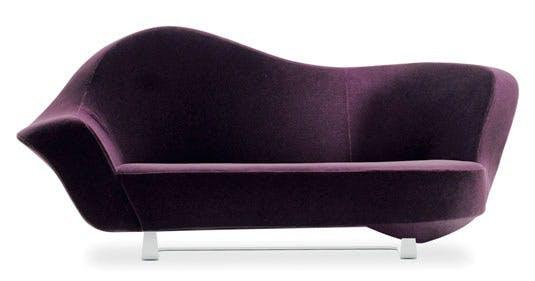 Aubergine er en sofa