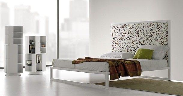 Møbler: Aluminium Bed