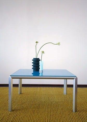 Position hedder bordet