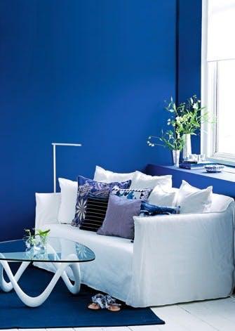 Klæd sofaen på med puder i blåt