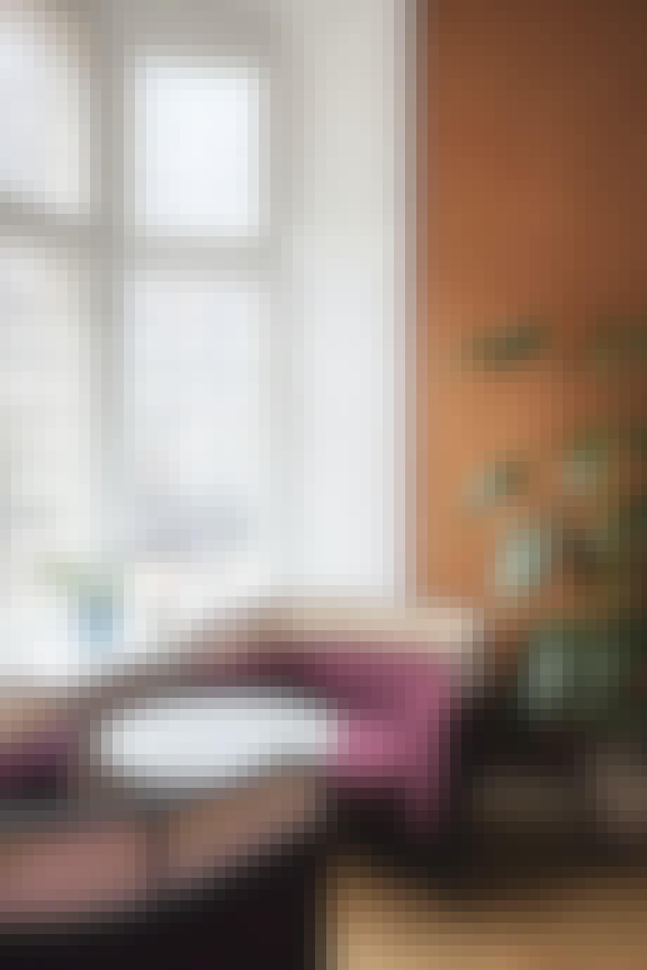 mødelokale indretning orange væg