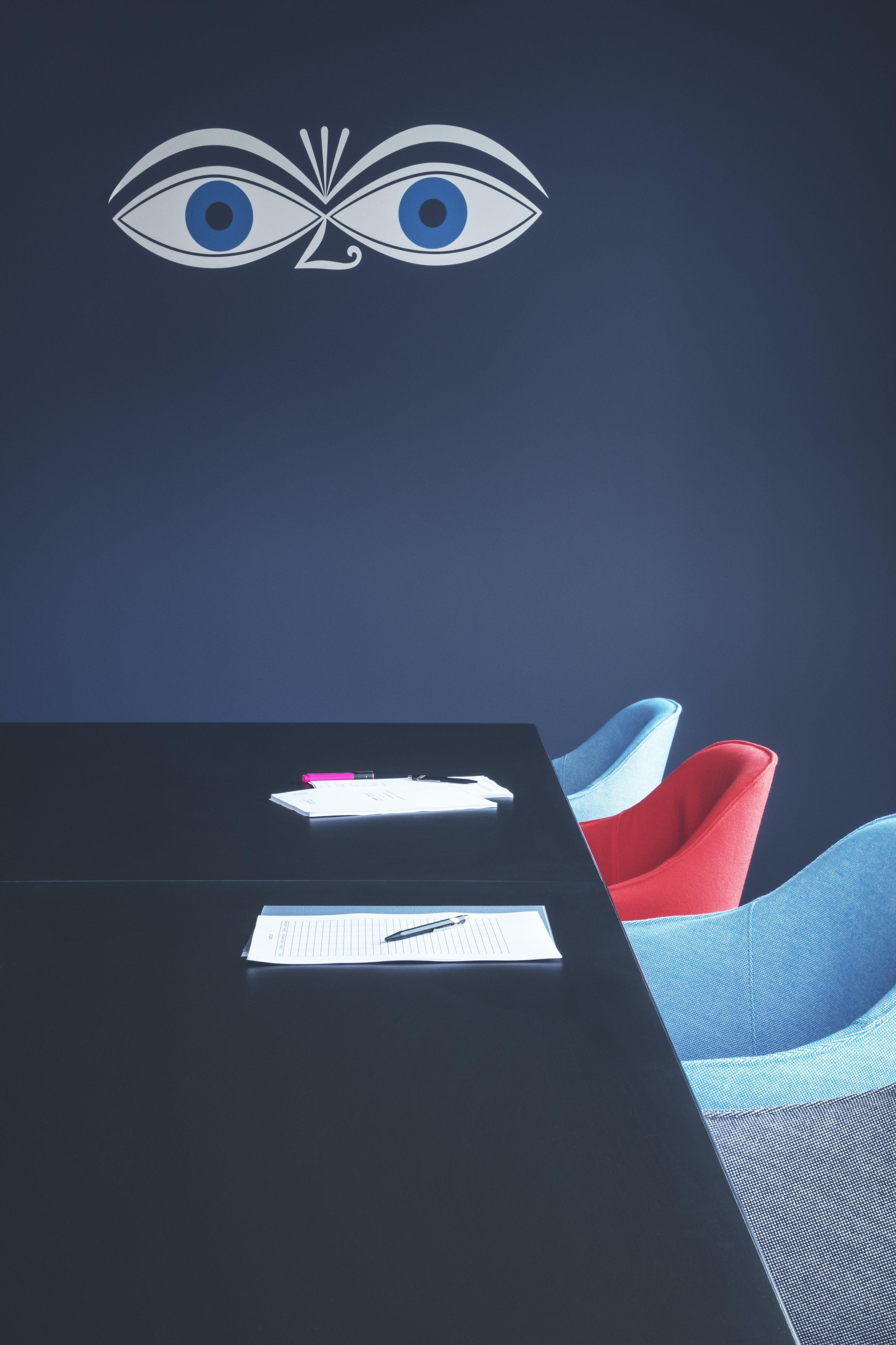 mødelokale bord indretning
