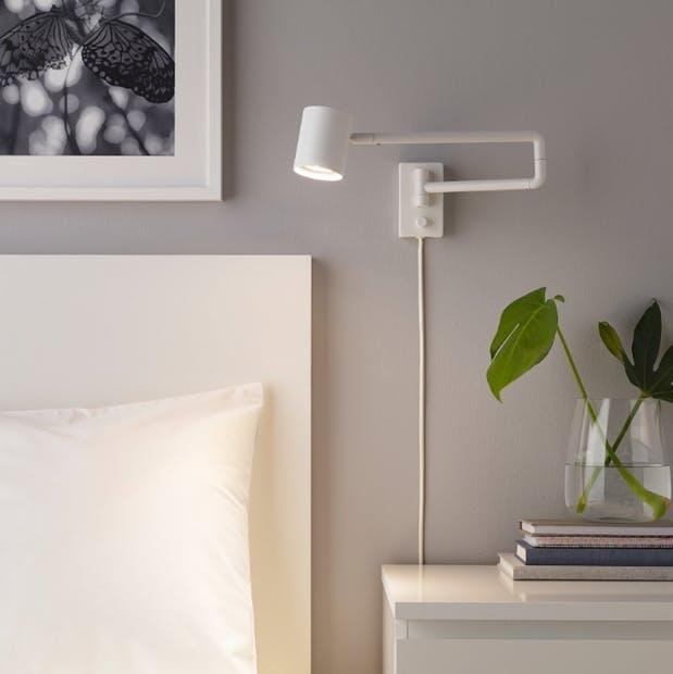 Nymåne lampe IKEA