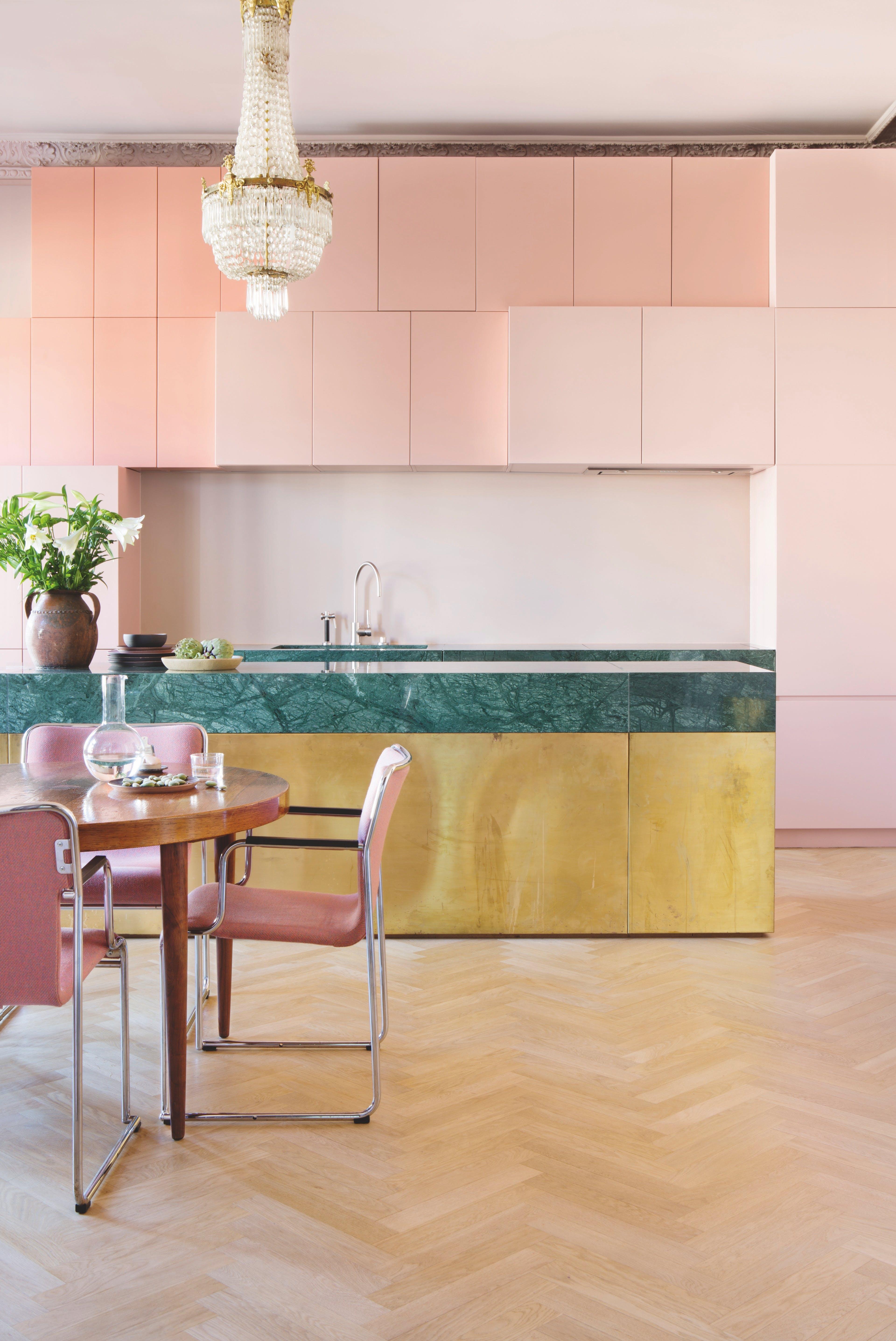 køkken lyserød marmor