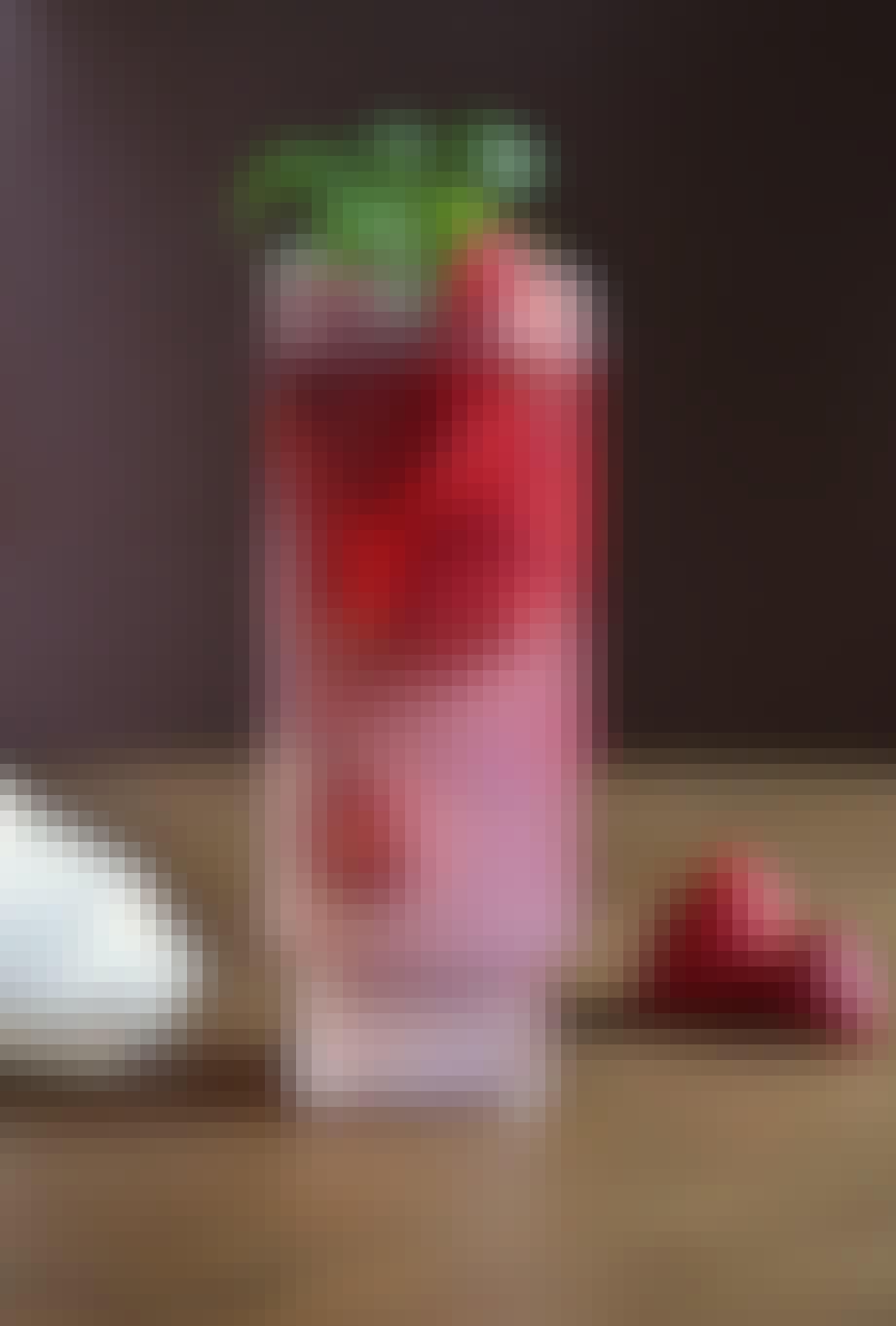 Drink med ginger beer, jordbær og Passoã