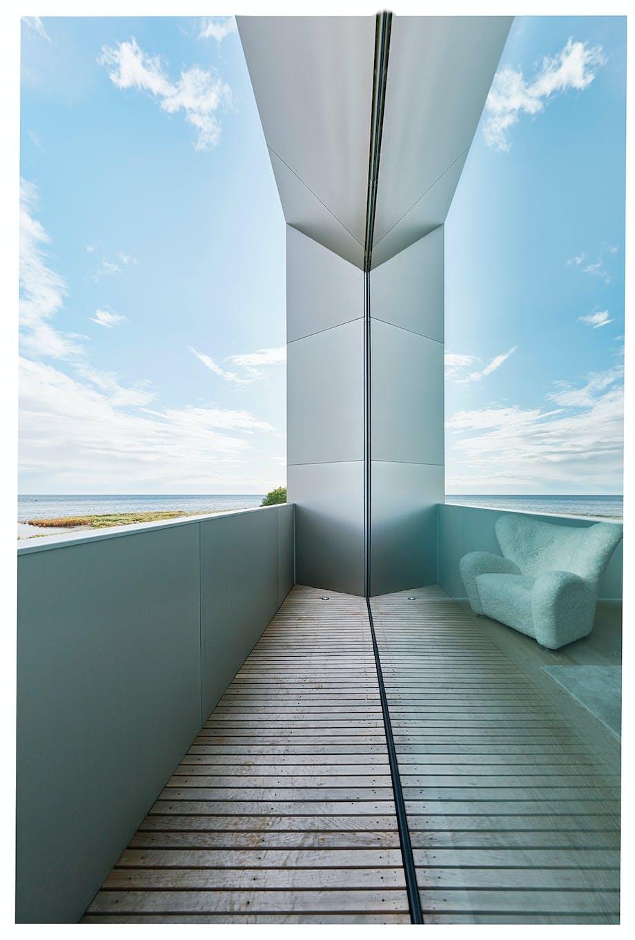 vindue glasvæg altan grå