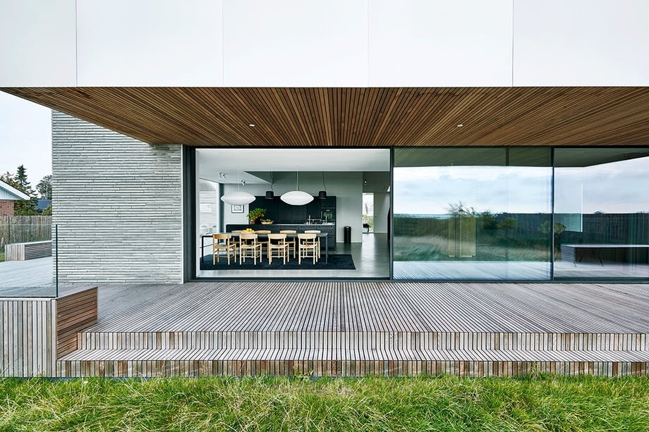 terasse villa vindue træ