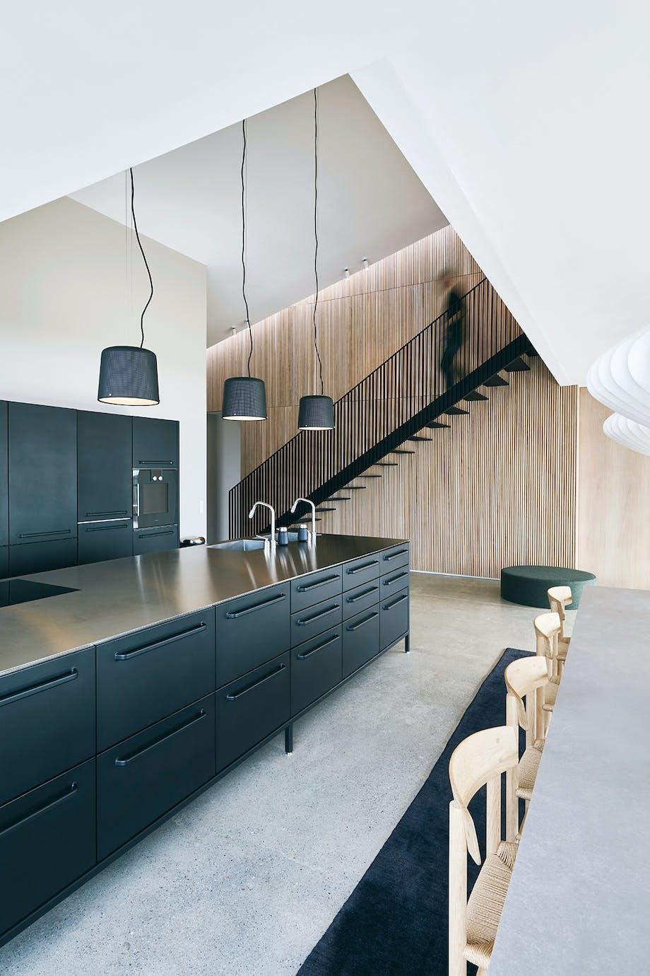 køkken moderne sort lampe vipp